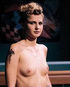 Sara Dark (33 años)