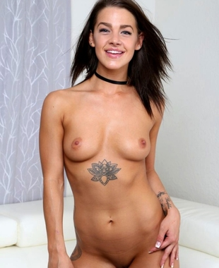 Anal plugged slave pussy rough banged