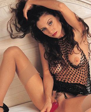 Shaena Steele