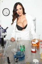 Doctora Ariella Ferrera seducida por una buena polla, foto 1