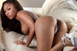 Fotos desnudas de la bella durmiente