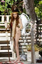 Cassie Laine abriendo su coñito y su culito, foto 2