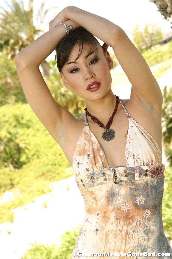 Jade Hsu Fotos, galeras de fotos y fotos de desnudos