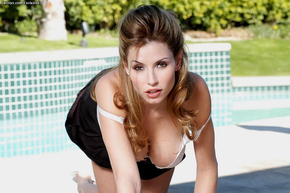 Chastity Lynn Fotos, galeras de fotos y fotos de desnudos