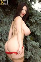 Karina Hart acariciando y masturbando su coñito depilado, foto 8