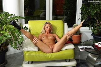 Natalia Forrest posa desnuda y con el coño depilado, foto 11