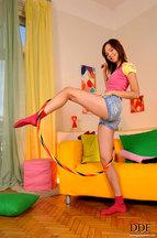 Nikita Williams desnudándose y jugando con un hula hoop, foto 5
