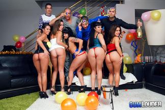 Gran orgía con mucho sexo de año nuevo, foto 3