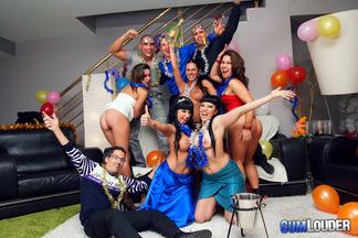 Gran orgía con mucho sexo de año nuevo, foto 4