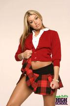 Striptease de una colegiala llamada Tiffany Rayne, foto 2