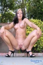 Tabitha James y Renee Perez masturbándose con un dildo, foto 4
