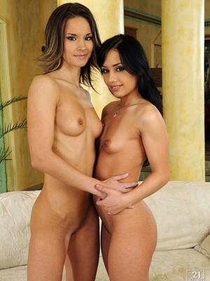 Carolin y Nomi Melone