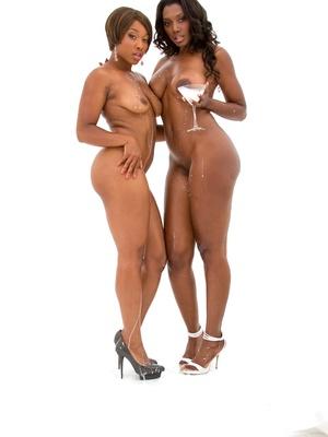 Imani Rose y Nyomi Banxxx