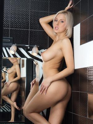 Mandy Dee