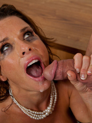 Veronica Avluv y Dane Cross