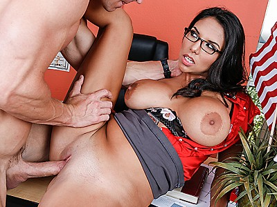 Missy Martinez y Johnny Sins