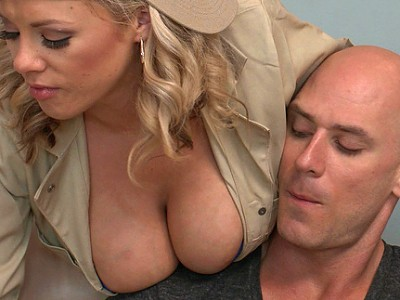 Katie Kox y Johnny Sins