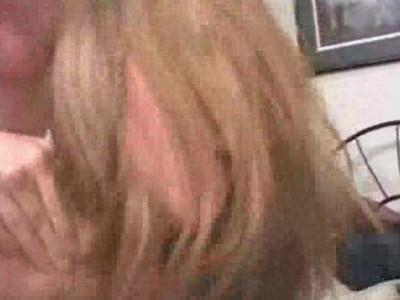 Kianna Dior follada a 4 patas. Vídeo de 17:17 de duración. Participan: Kianna Dior, Tyce Bune