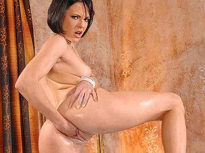 Liz Valery