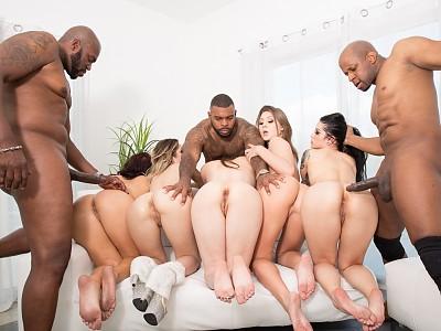 Jojo Kiss,Keisha Grey,Katrina Jade,Goldie Ortiz y Casey Calvert,Prince Yahshua,Lexington Steele y Rico Strong