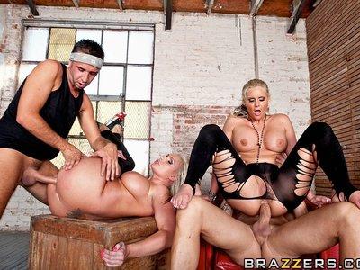 Sadie Swede y Phoenix Marie,Billy Glyde y Keiran Lee