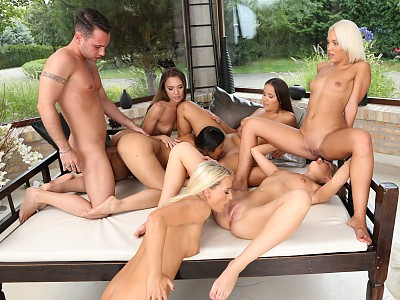 Olivia Nice,Tiffany Tatum,Cecilia Scott,Veronica Clark,Victoria Pure y May Thai y Raul Costa