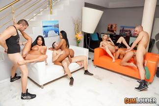 Anissa Kate, Claudia Shotz, Jasmine Black y NoeMilk en una buena orgía, foto 10