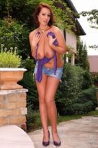 Lataya Roxx masturbándose con un vibrador, foto 4