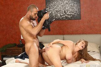 Madura Darla Crane follándose a Carlo Carerra, foto 10