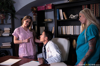 Mick Blue se corre en las tetas de la enfermera Rachel Roxxx, foto 4