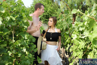 MILF tetona Yurizan Beltran follándose a Jordan Ash, foto 2