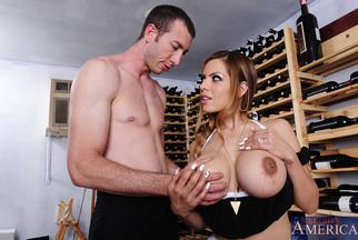 MILF tetona Yurizan Beltran follándose a Jordan Ash, foto 4