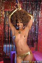 Sexo interracial entre Misty Stone y Keiran Lee, foto 3