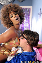 Sexo interracial entre Misty Stone y Keiran Lee, foto 7