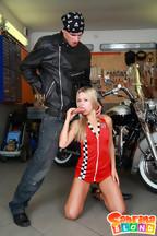 Sabrina Blond se pone cachonda con su novio motero, foto 5